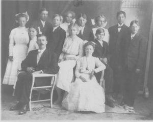 1910-Trinity-Lutheran-Confim-Class